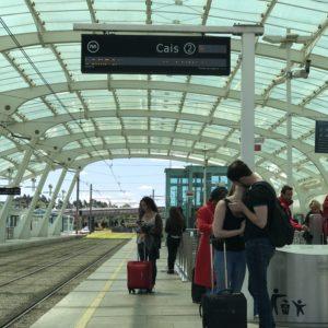 ポルト空港からメトロに乗車