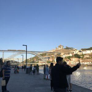 ポルトのドウロ川に架かる橋「ドン・ジョアン1世橋」
