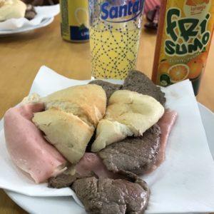 カミーノで歩いているときに入ったカフェで出てきたビーフサンドイッチ