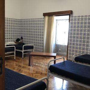 カミーノ「ポルトガル人の道」のアルベルゲ、Mosteiro de Vairaoに泊まる。