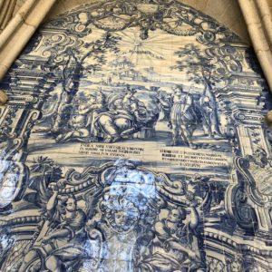 ポルトガルのポルト大聖堂「セー」の美しいアズレージョ