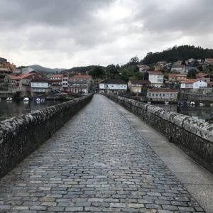 カミーノ「ポルトガル人の道」Arcadeアルカデのアルベルゲ「A Xesteira」Arcaeアルカデの街の橋Ponte de Sampaio
