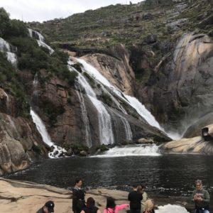 スペイン巡礼 カミーノ フィステーラへのバスツアー Ezora(エソラ)の滝