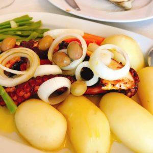 カミーノ「ポルトガル人の道」のタコ料理