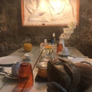 カミーノ「ポルトガル人の道」、Balgaesの三ツ星ホテルCasas da Quinta da Cancelaの朝食